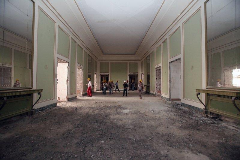 Restructura il salone della riqualificazione recupero for Palazzo villa torino